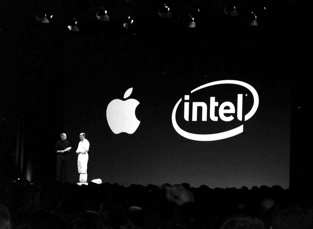 Steve Jobs and Intel CEO Paul Otellini on stage at Macworld 2006 - © Neal Pann