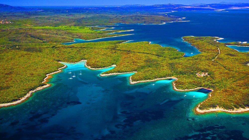 Sea-coast-of-the-Adriatic-Sea-Croatia-Wallpaper-Widescreen-HD-resolution-1920x1200-1920x1080 (1).jpg