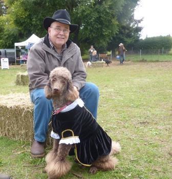 dogpaw dogtoberfest 2011 033.jpg
