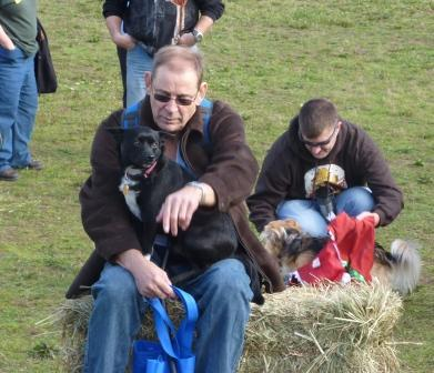 dogpaw dogtoberfest 2011 015.jpg
