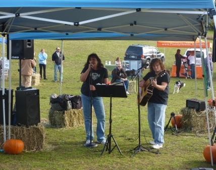 dogpaw dogtoberfest 2011 014.jpg