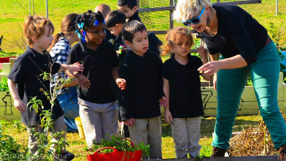 The grandmaster behind all this garden magic is Jessica Antonelli, resident art teacher and fun guru. These kids are sooo lucky.
