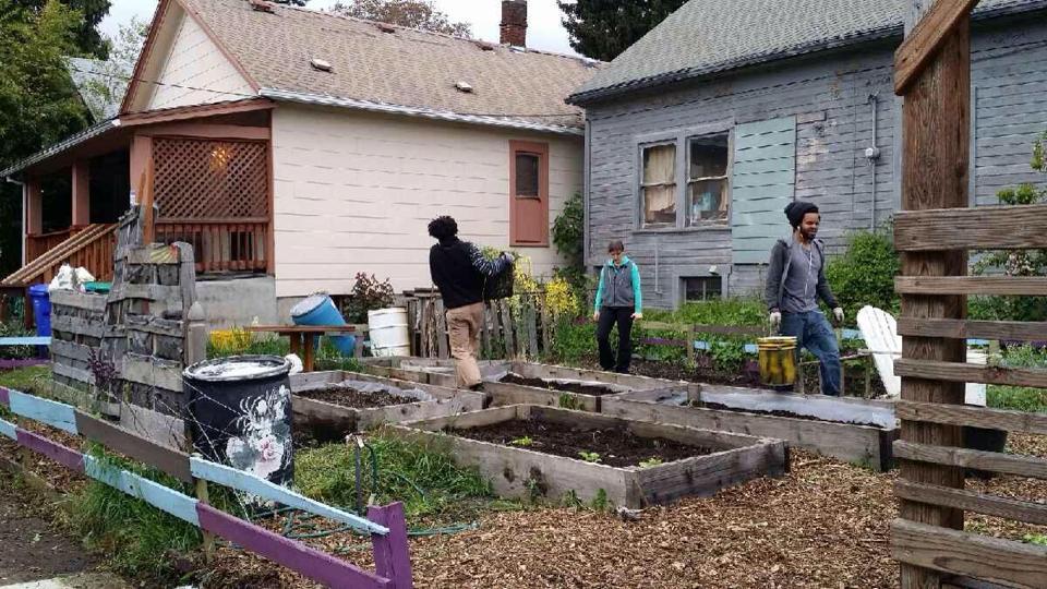 Urban Harvest garden3.jpg