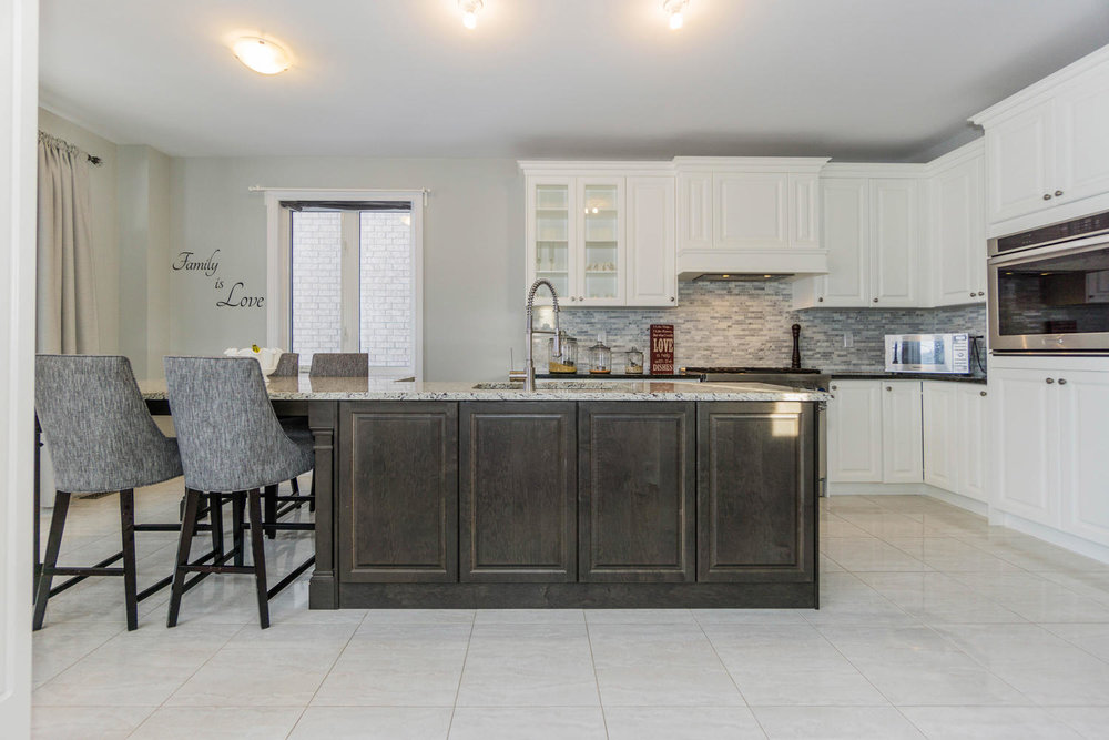 12 Rivoli Drive-large-017-21-Kitchen-1500x1000-72dpi.jpg