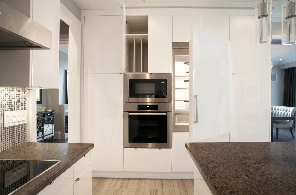 Residence 3501 Kitchen III - Denise Militzer.jpg
