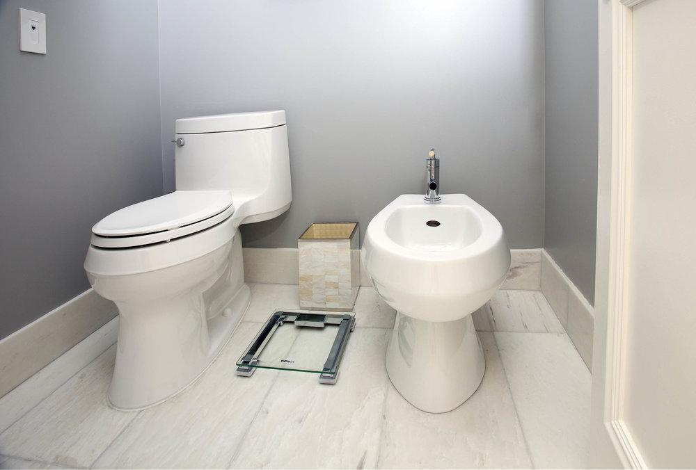 Residence 3501 Master Bathroom III - Denise Militzer.jpg