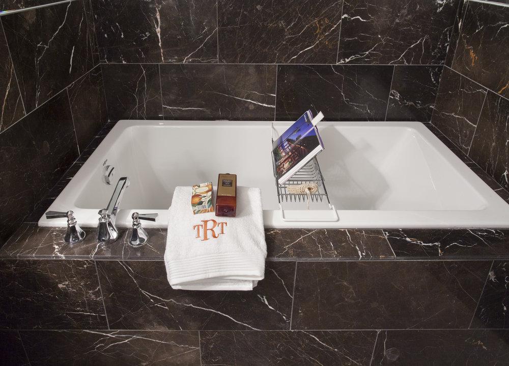 Residence 3502 Bathroom III - Denise Militzer.jpg
