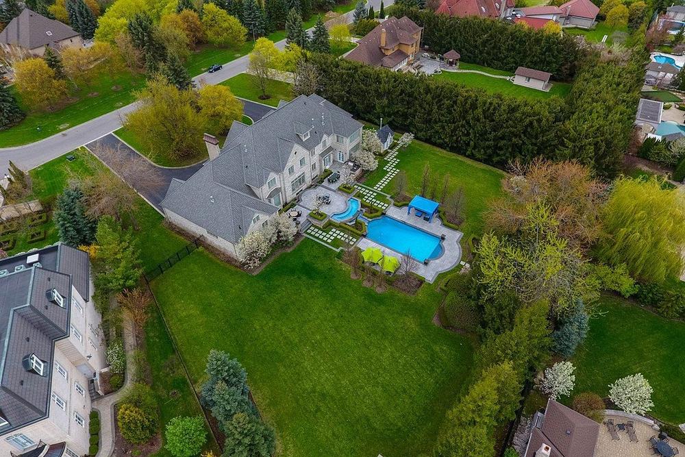 Prestigious Manor Home, Vaughan, Ontario