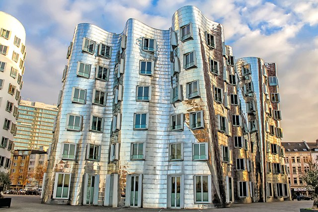 dam-images-architecture-2014-10-gehry-architecture-best-frank-gehry-architecture-10-neuer-zollhof.jpg
