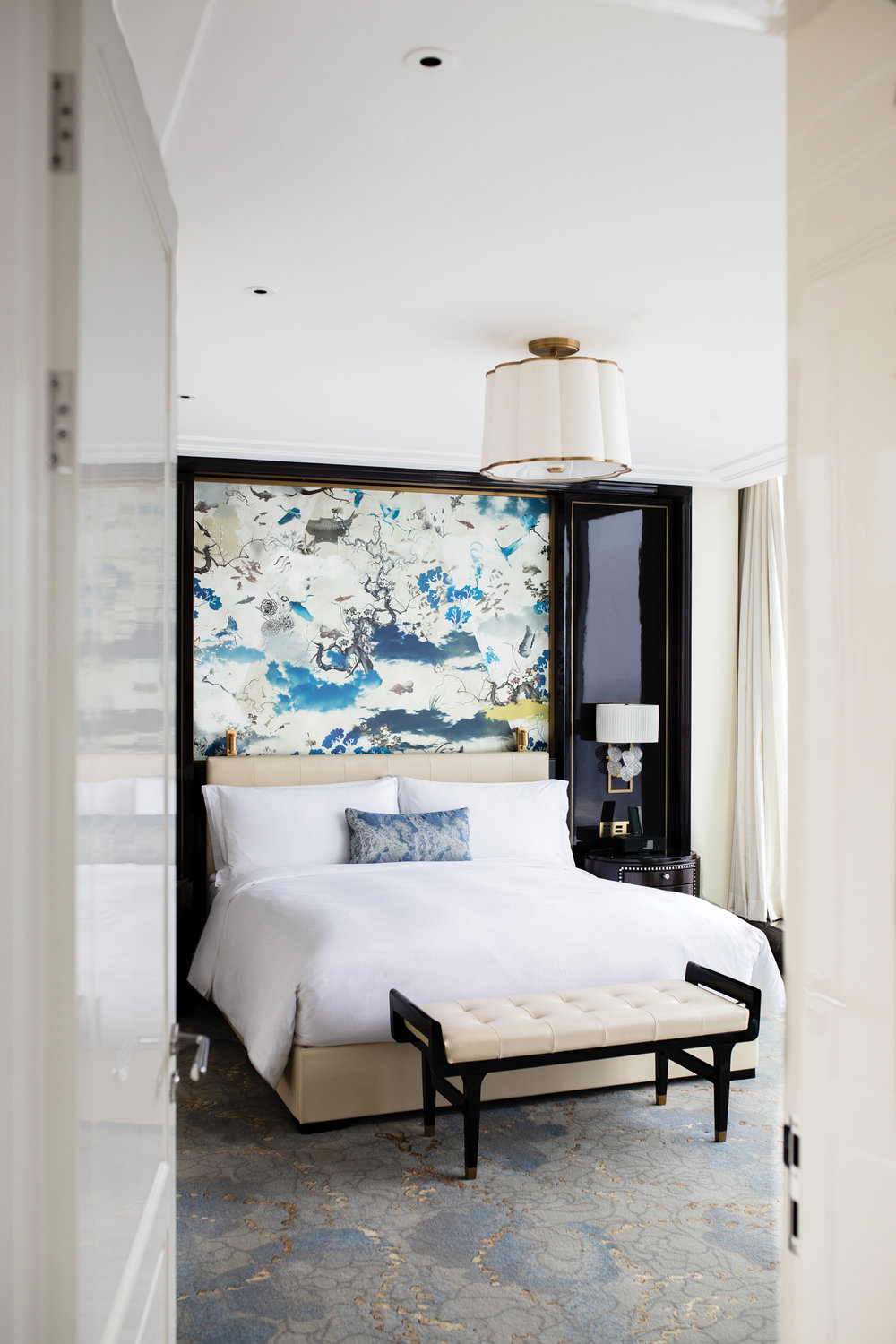 Understated elegance is key at the guest rooms of Waldorf Astoria Chengdu