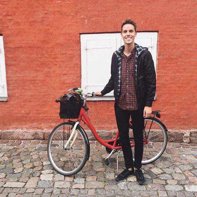 Hey, its me! With a bike!