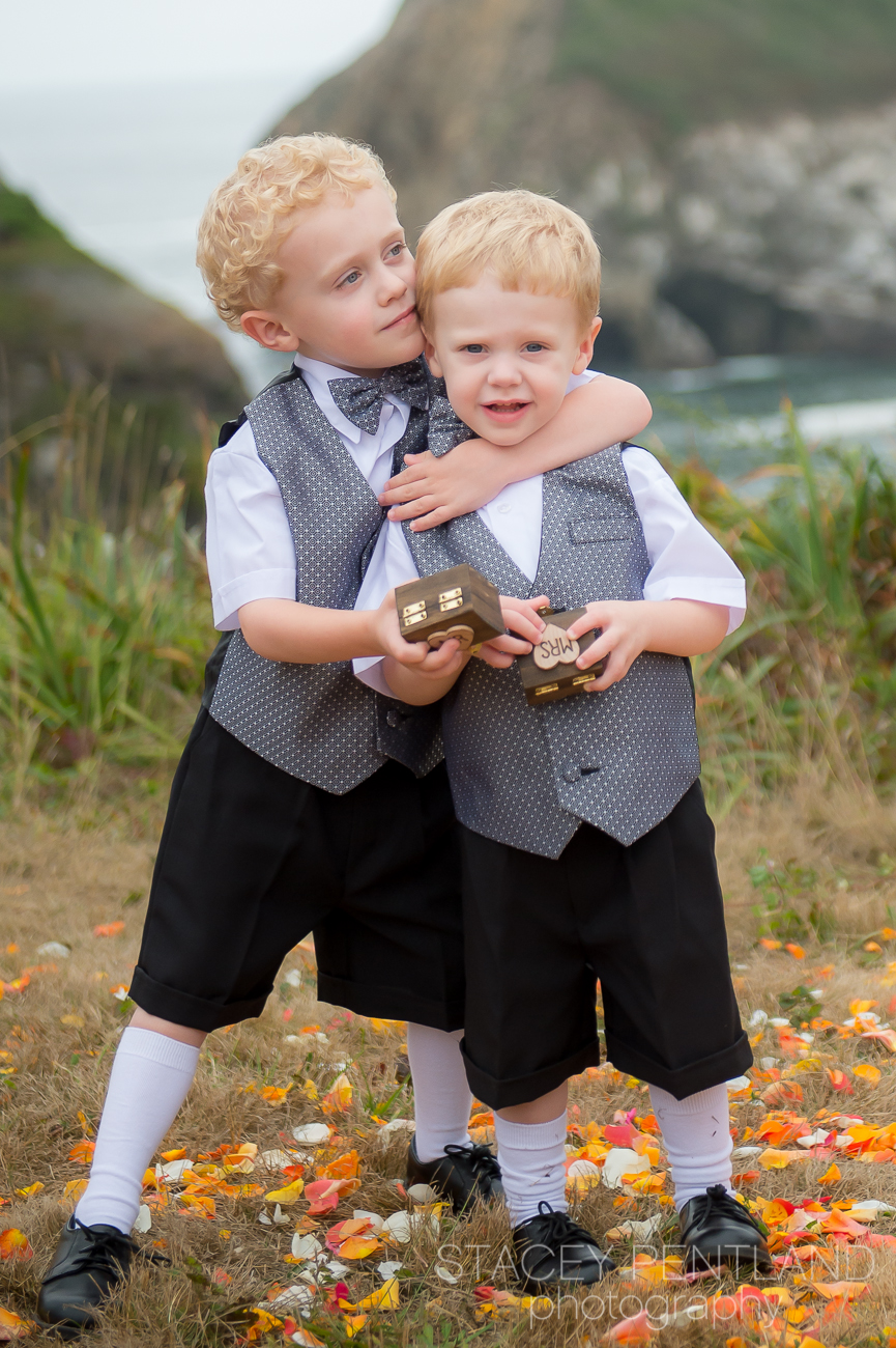 Molly's nephews were the ring bearers and stole the show. :)