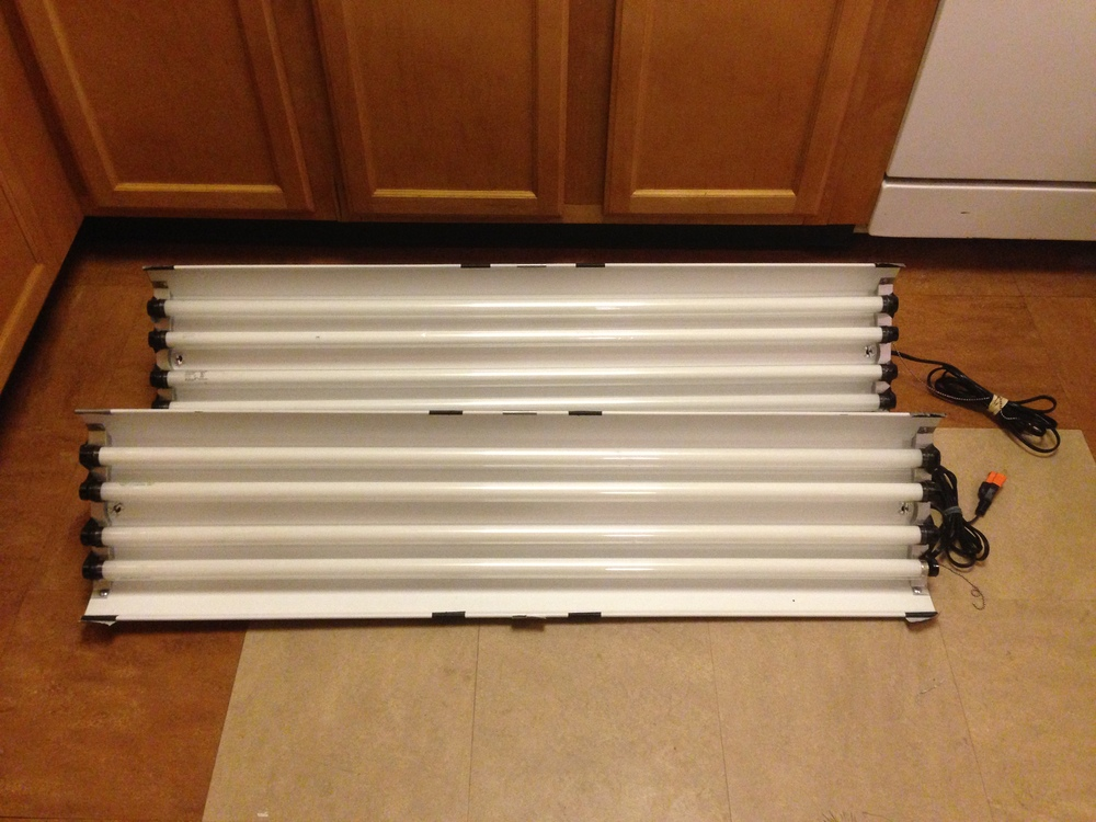 """4ft Fluorescent Lighting Bank"" (2) 4 ""T8"" Bulb  Housing 128w each."