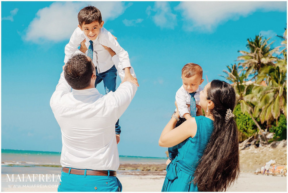 Voyager-Beach-Resort-Mombasa-Kenya-Family_0151.jpg