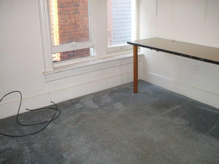 934-1-bedroom3.JPG