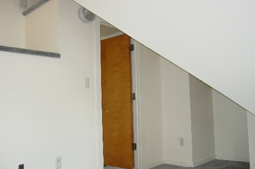 934-2-bedroom5.JPG