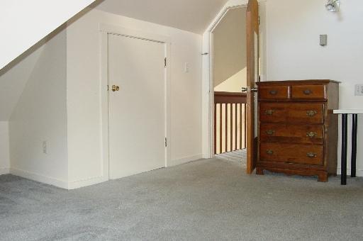 934-2-bedroom6.JPG