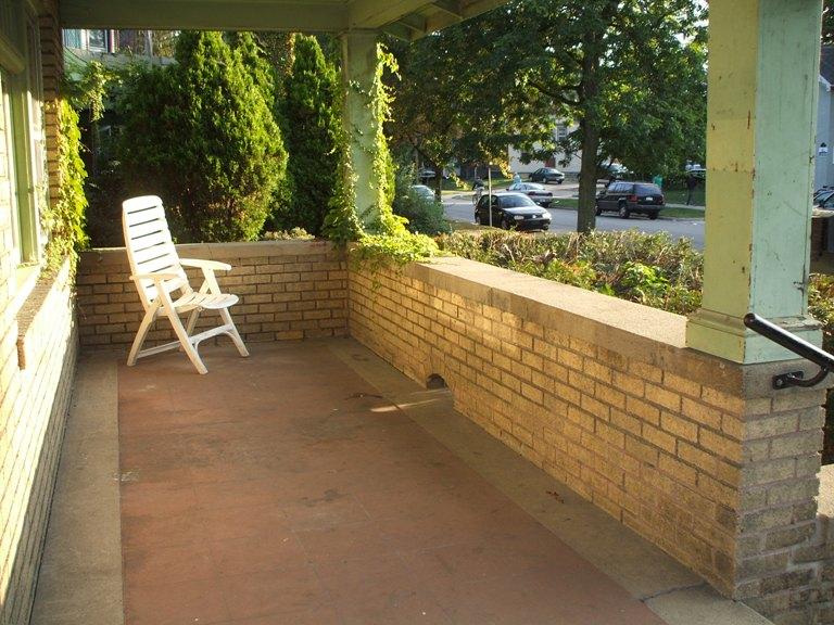 809-porch.JPG