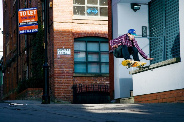 4-Jed-Coldwell-frontside-180-nosegrind-620x413.jpg