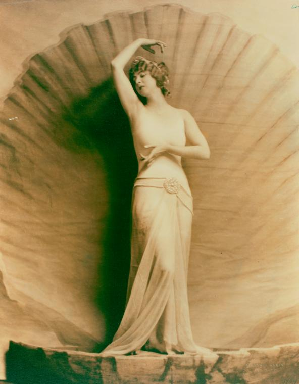 Ruth St. Denis as Venus in Cupid and Psyche at Mariarden. (1923).jpg