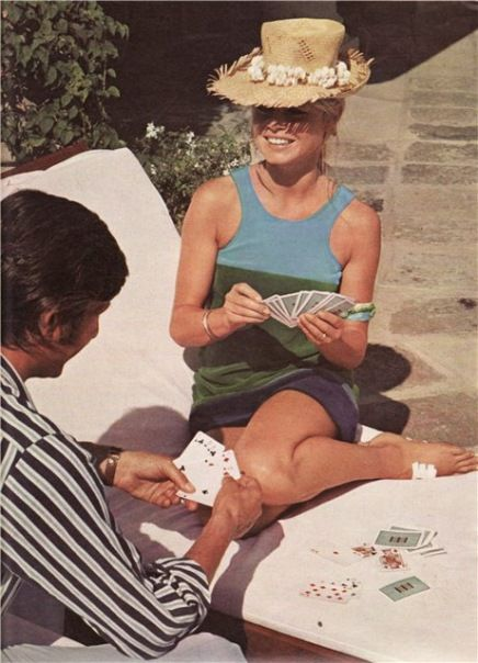 http://lafilledepaille.tumblr.com/post/45116933539/missbrigittebardot-oh-summer-you-cant-come