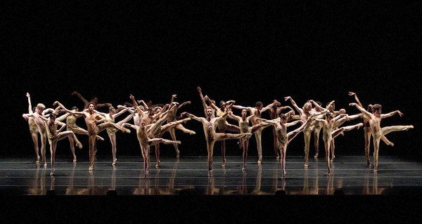 """Azimuth""  Dancers from the Alonzo King Lines Ballet and Hubbard Street Dance Chicago perform together in ""Azimuth"" at the Dorothy Chandler Pavilion.   ( Gina Ferazzi, Los Angeles Times  /June 21, 2013)"
