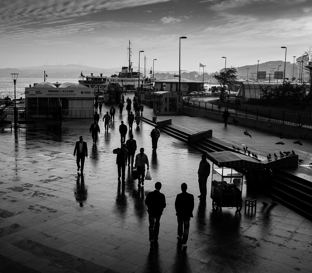 Early morning life by the docks  Photography: Alan Thomas Duncan Wilkie