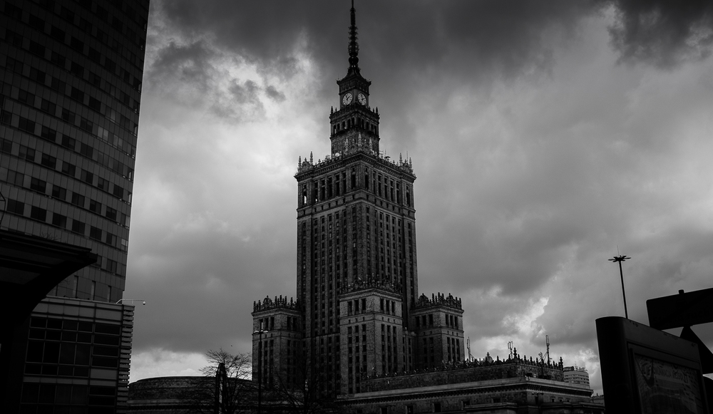 The palace of culture and science - Stalin´s unwanted gift to Poland     Photo: Alan Thomas Duncan Wilkie