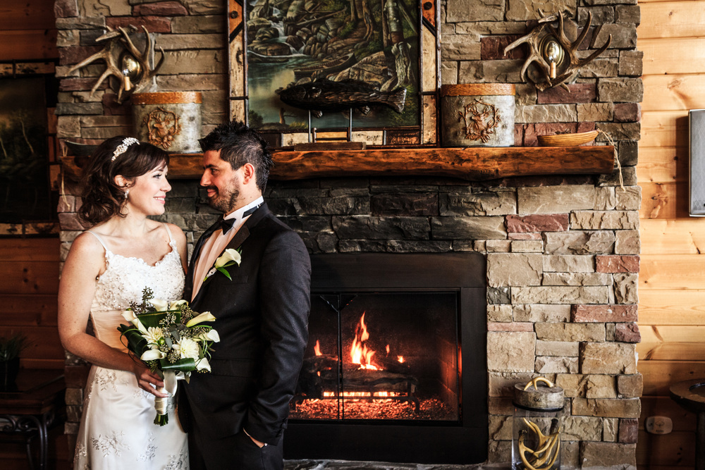 What will your photos say about your cabin wedding experience? Will they express the warmth and beauty of your location? Only Gatlinburg Photo has the consistent, proven ability to provide the outstanding images you deserve!