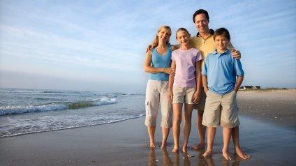 Family_on_Beach2