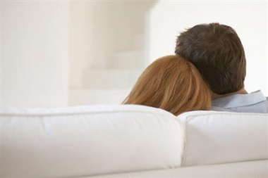 Couple-on-couch-back-heads-380pix1