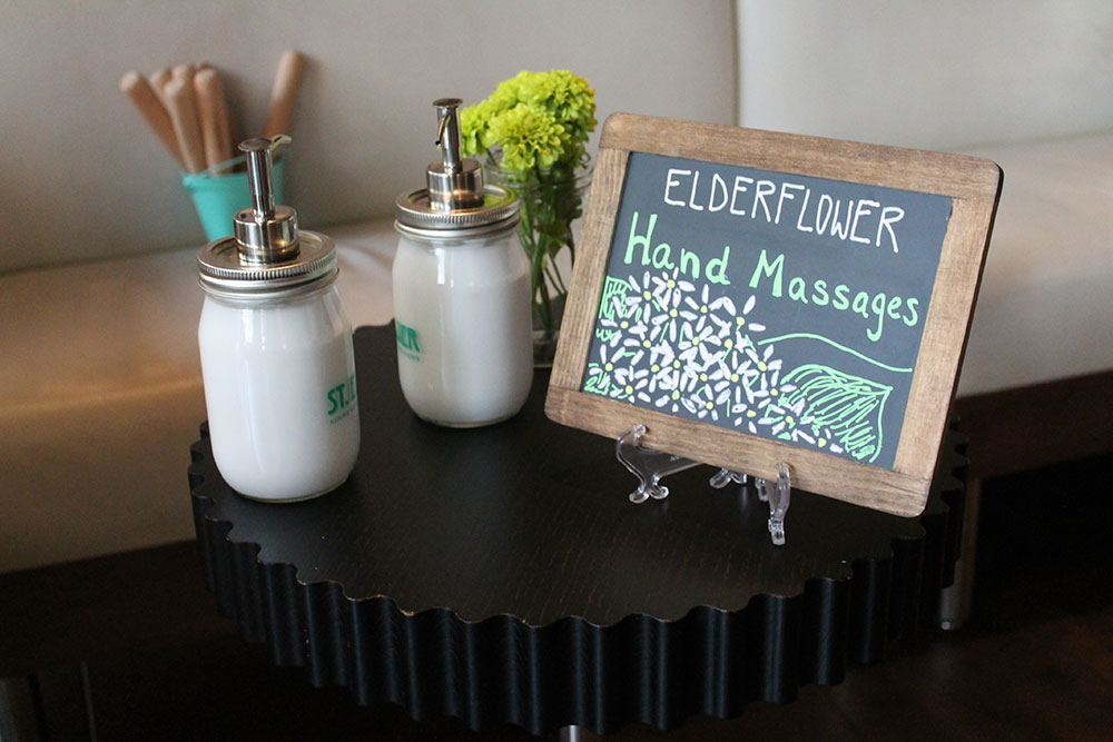 hand-massage-table.jpg