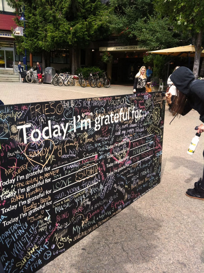 gratitude-wall_9.jpg