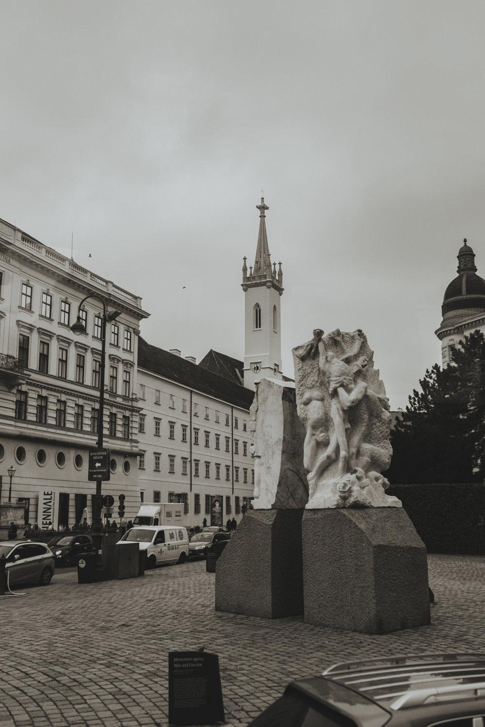 Holocaust memorial sculpture