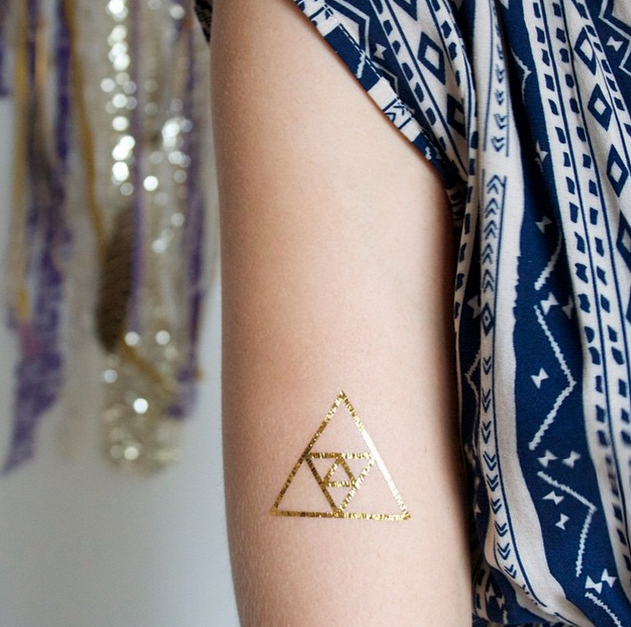 Win a set of beautiful Darling Tree temporary tattoos by commenting HERE