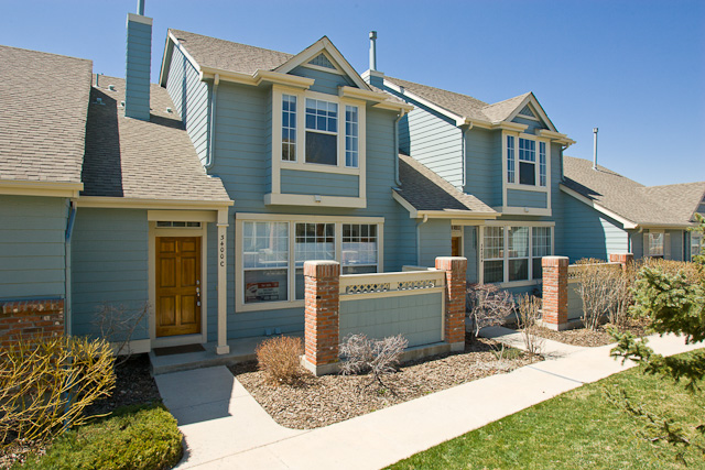 What housing options are right for you re max alliance for Detached townhomes