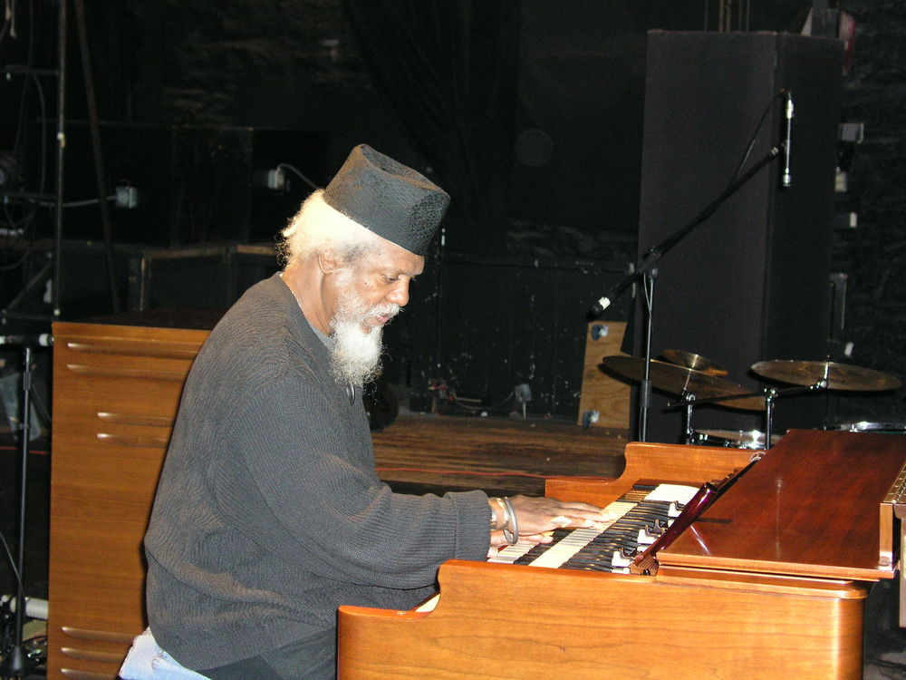 Dr Lonnie Smith1.JPG