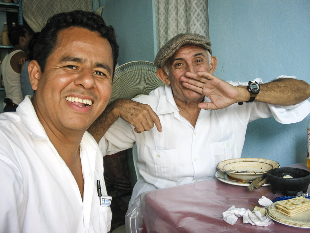 Tlacotalpan Amigos ©2006 Lisa Berman