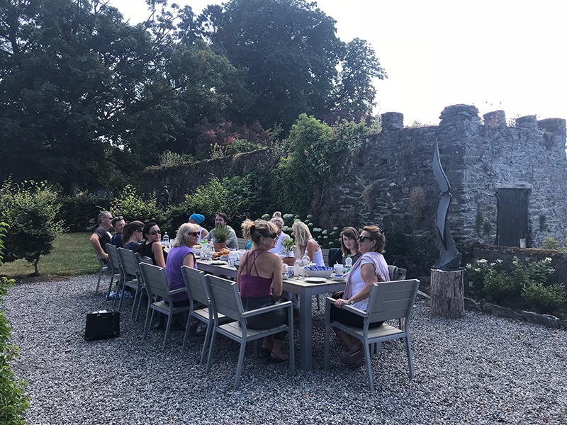 diningoutdoorgroup_burtownhouseretreat.jpg