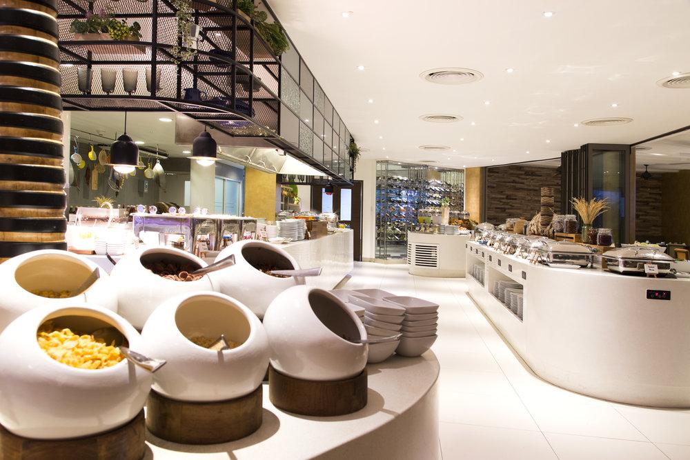 Grand Mercure_Restaurant Breakfast-6.jpg