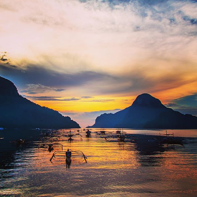 Out of the archives! #philippines #palawan #elnido #sunset #landscape #colours #beautifulworld #takemeback #natgeo