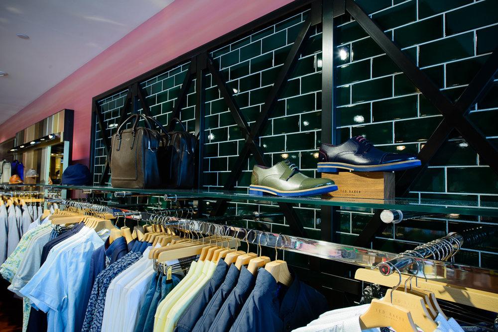 Rideau Centre, Ottawa, Canada — Ted\'s Store Portfolio
