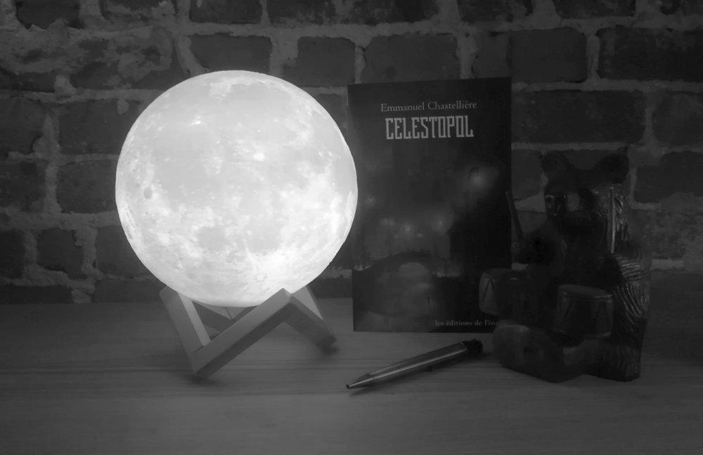 C'était l'occasion d'utiliser ma nouvelle lampe... de circonstance, n'est-ce pas ?