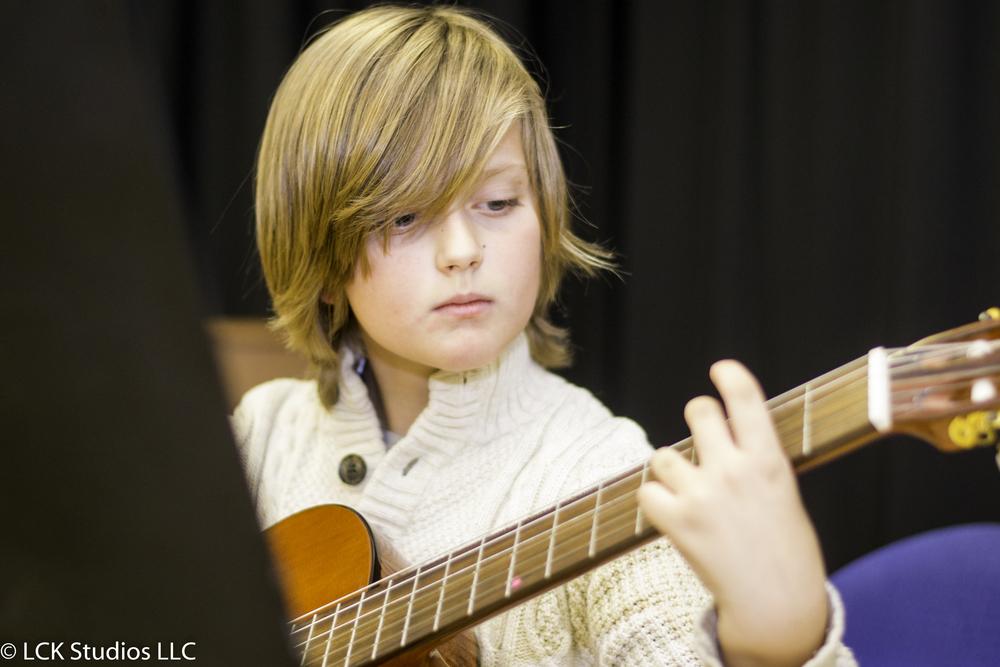 guitarist_fort_lee.jpg