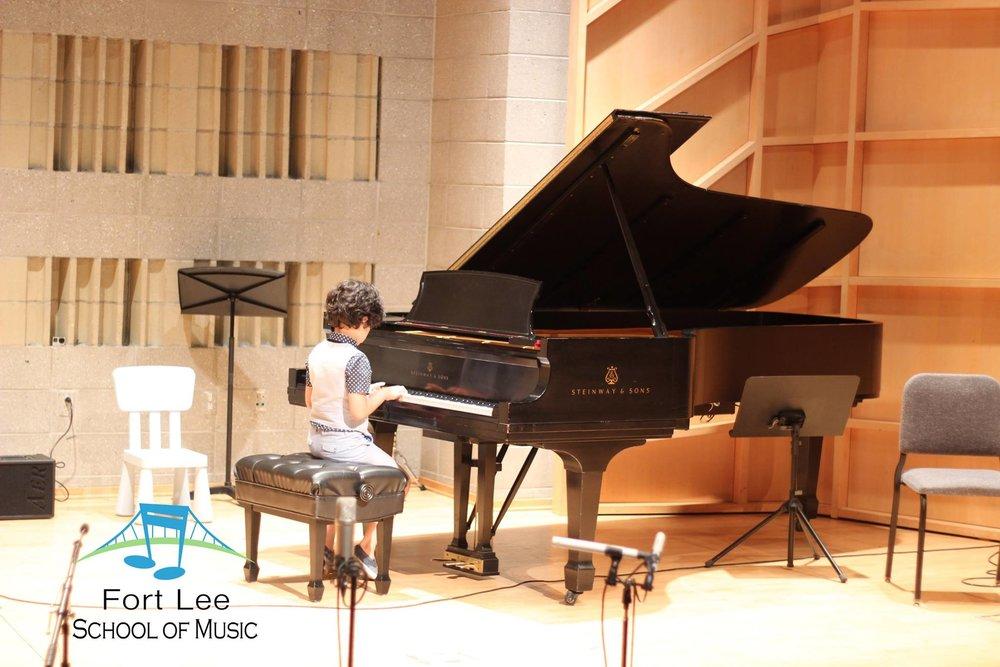 piano-teacher-for-kids-bergen.jpg