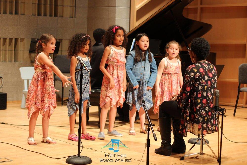 kids-group-singing-class-bergen-county.jpg