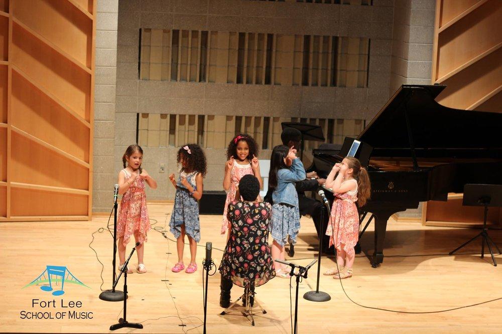 kids-group-singing-class-fort-lee.jpg