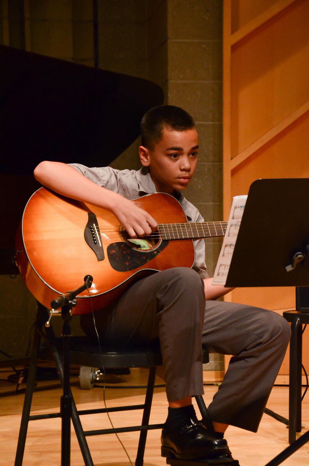 guitar-lessons-in-fort-lee.jpg