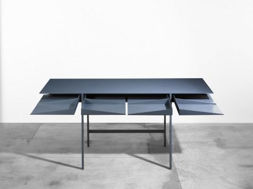 3-folia-desk-by-leon-ransmeier.jpg