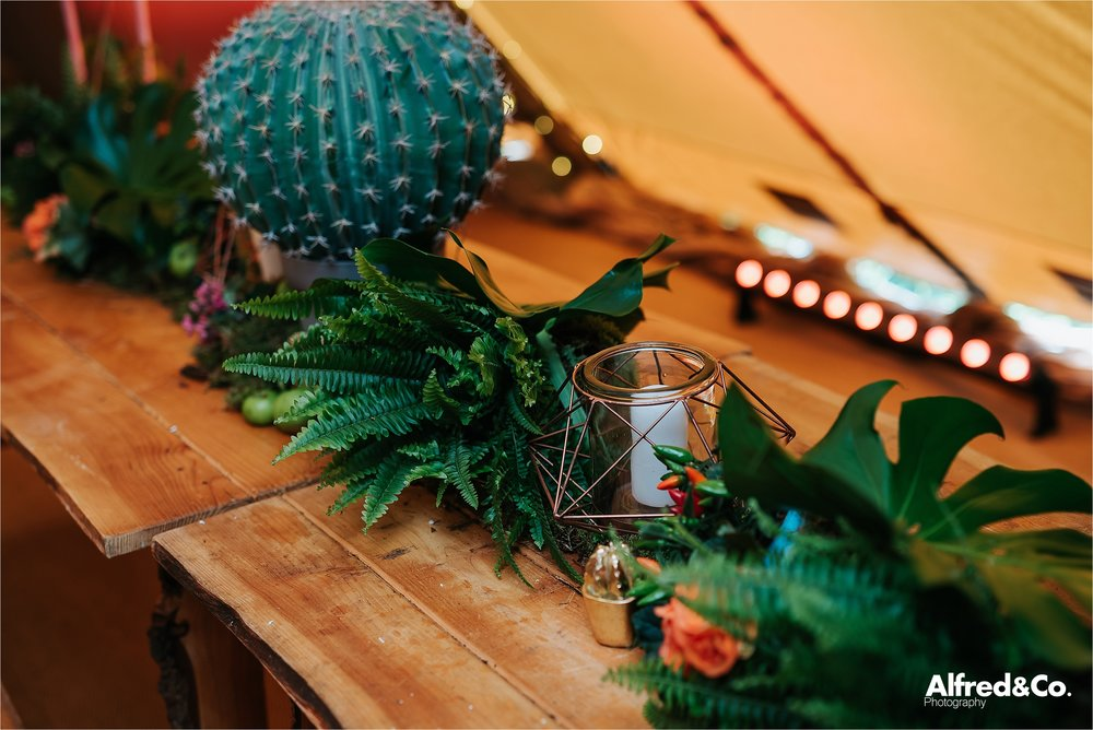 tipi+wedding+dorfoldhall+bigchieftipis+cheshire+lancashire+wedding+photographer+relaxed47.jpg
